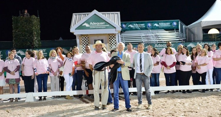 Custom Saddlery Brings on the Pink by Sponsoring Challenge of The Americas to Cap Off Annual Saddle Fitters Meeting